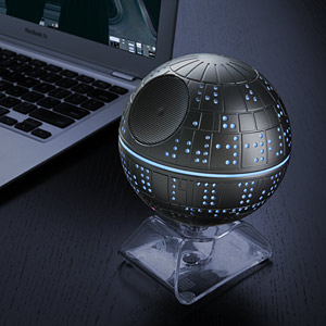 hssk_death_star_bt_speaker_inuse